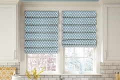 small-repeat-pattern-best-for-front-fold-roman-shades